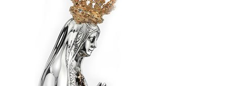Statuette of Our Lady of Fátima with Precious Crown and Mantle with Diamonds. Gold, silver and precious stones