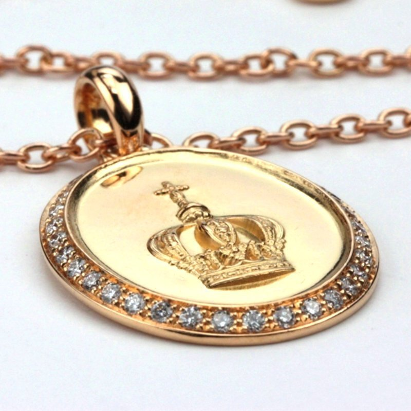 Medal and chain of the Crown of Roses. Gold and diamond
