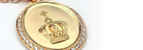Medal and chain of the Crown of Roses. Gold and diamonds