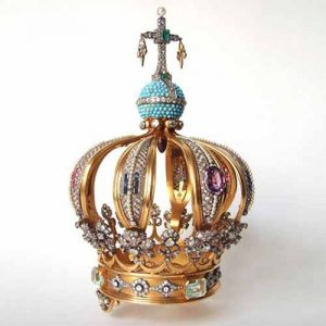 1942 – Crown of gold and precious stones